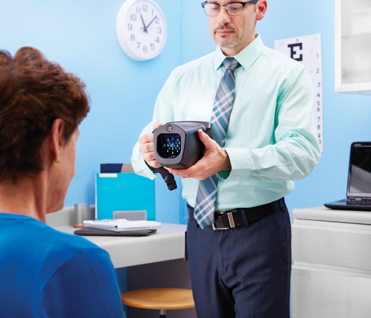 regelmäßige Überprüfung der Augen beim Optiker